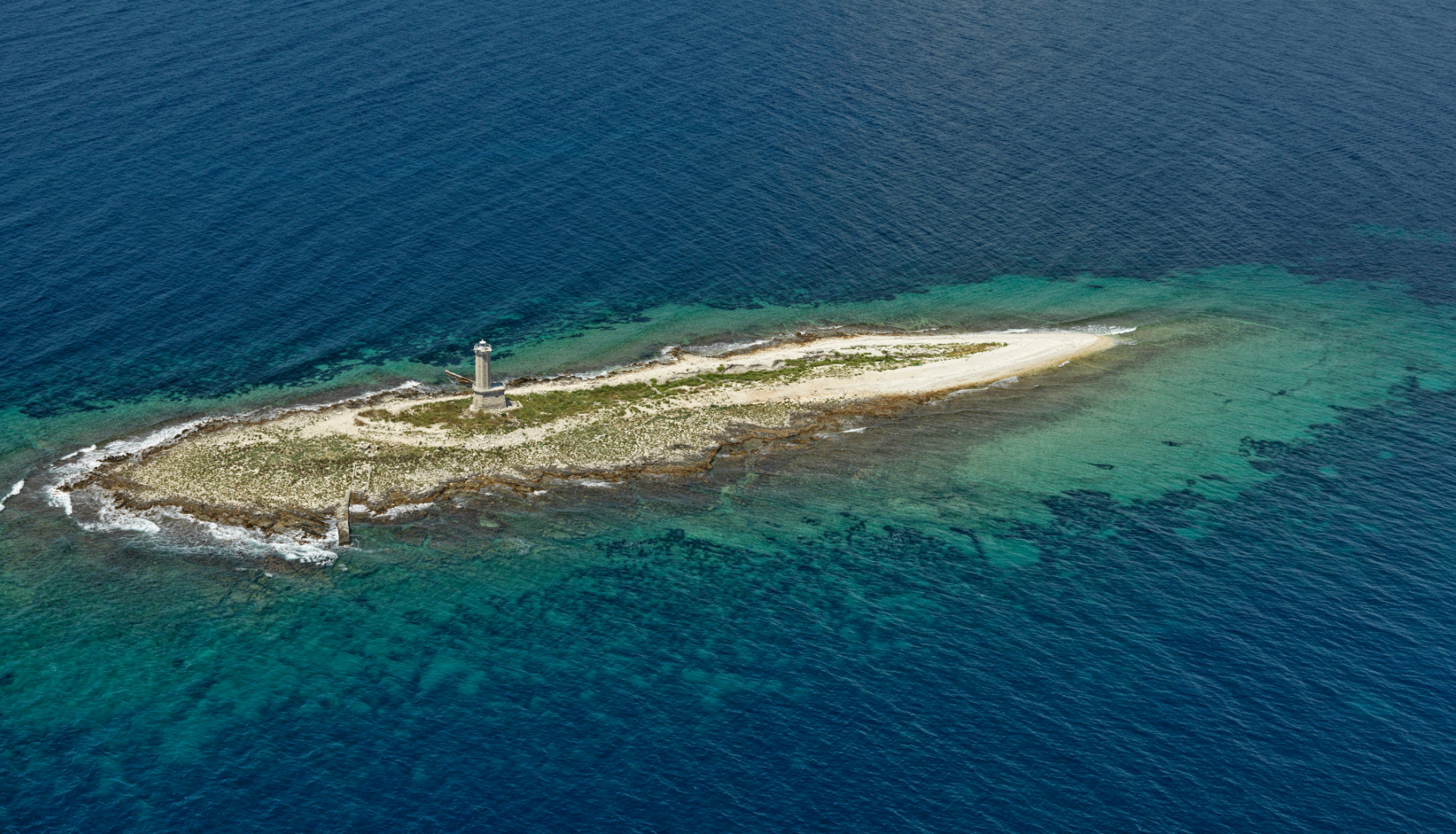 Chorvatsko-ostrov s majákem - Letova fotografie - Miroslav Kamrla - 2- 1920x1110_4.jpg