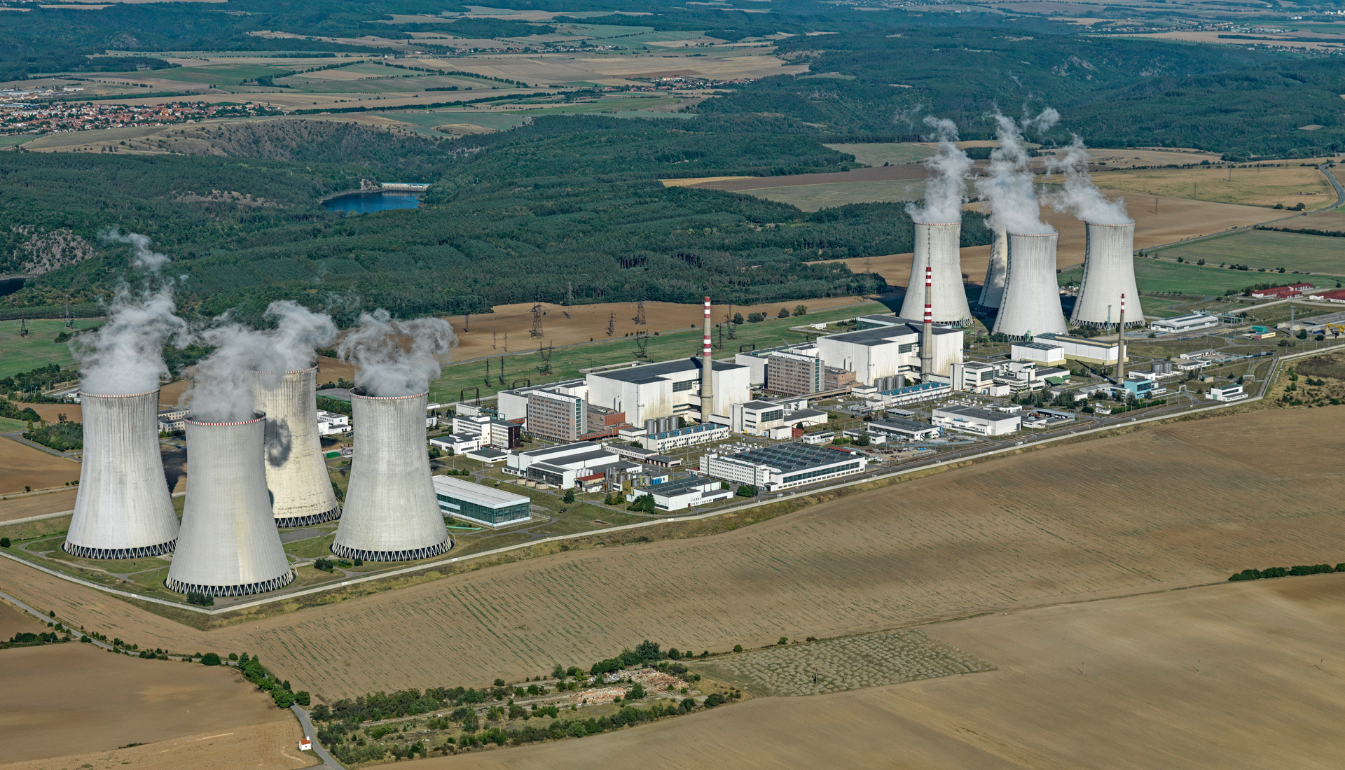 Jaderná el Dukovany - Letova fotografie - Miroslav Kamrla - 2- 1920x1110_1