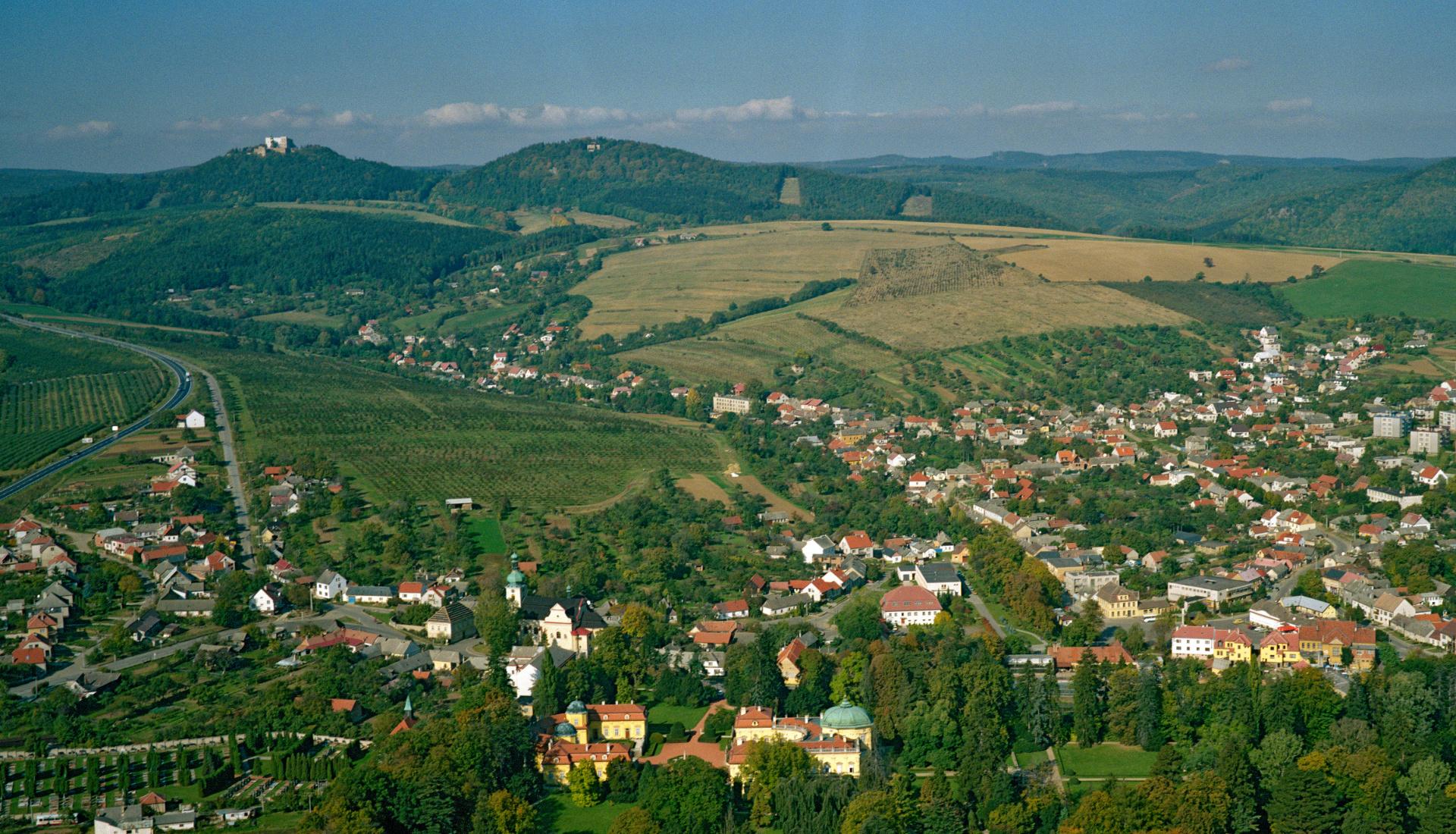 Panorama Buchlov - Letecká velkoplošná fotografie