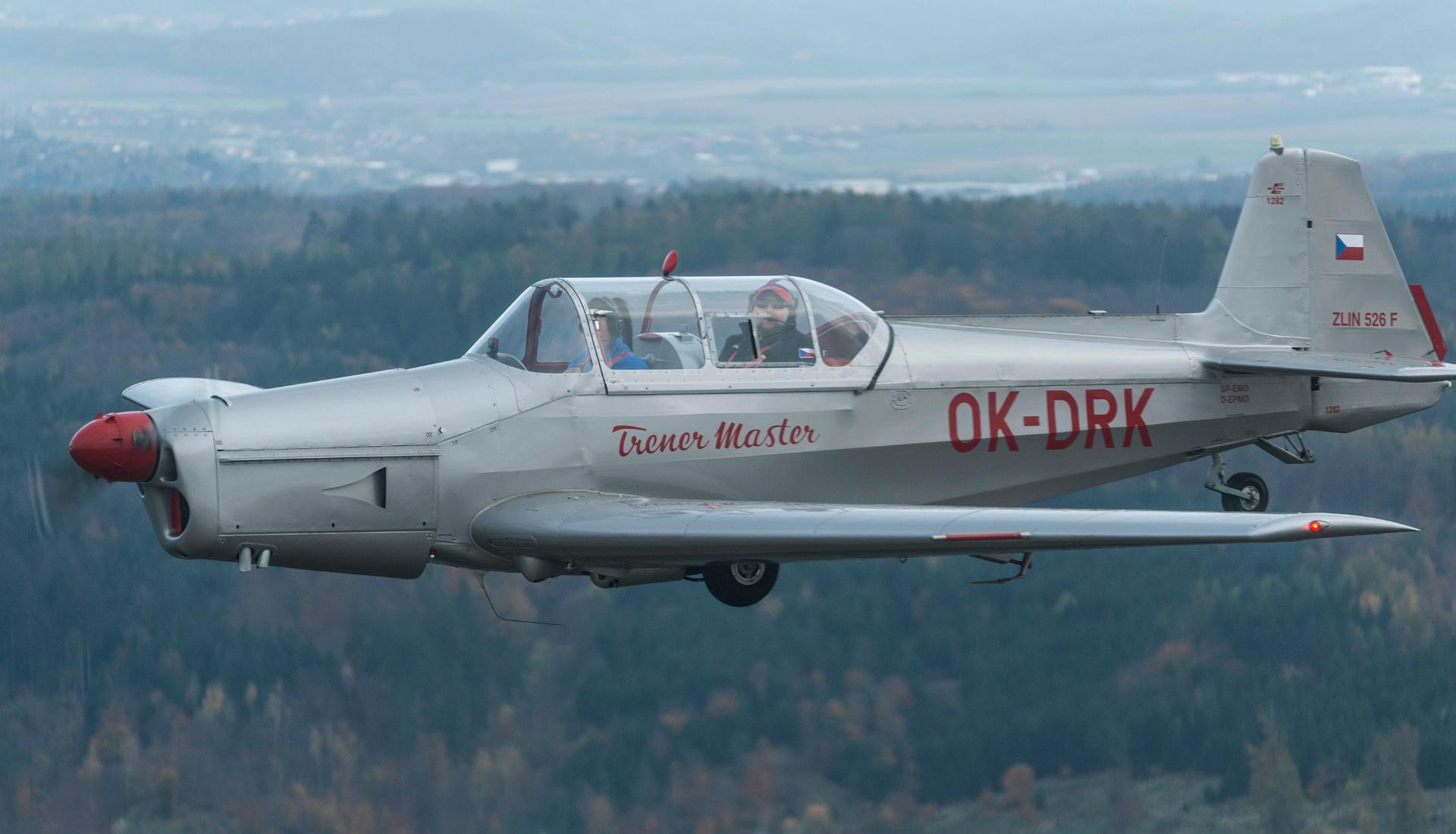 Zlin-526-F-letova-fotografie-miroslav-kamrla-1920x1110_1.jpg